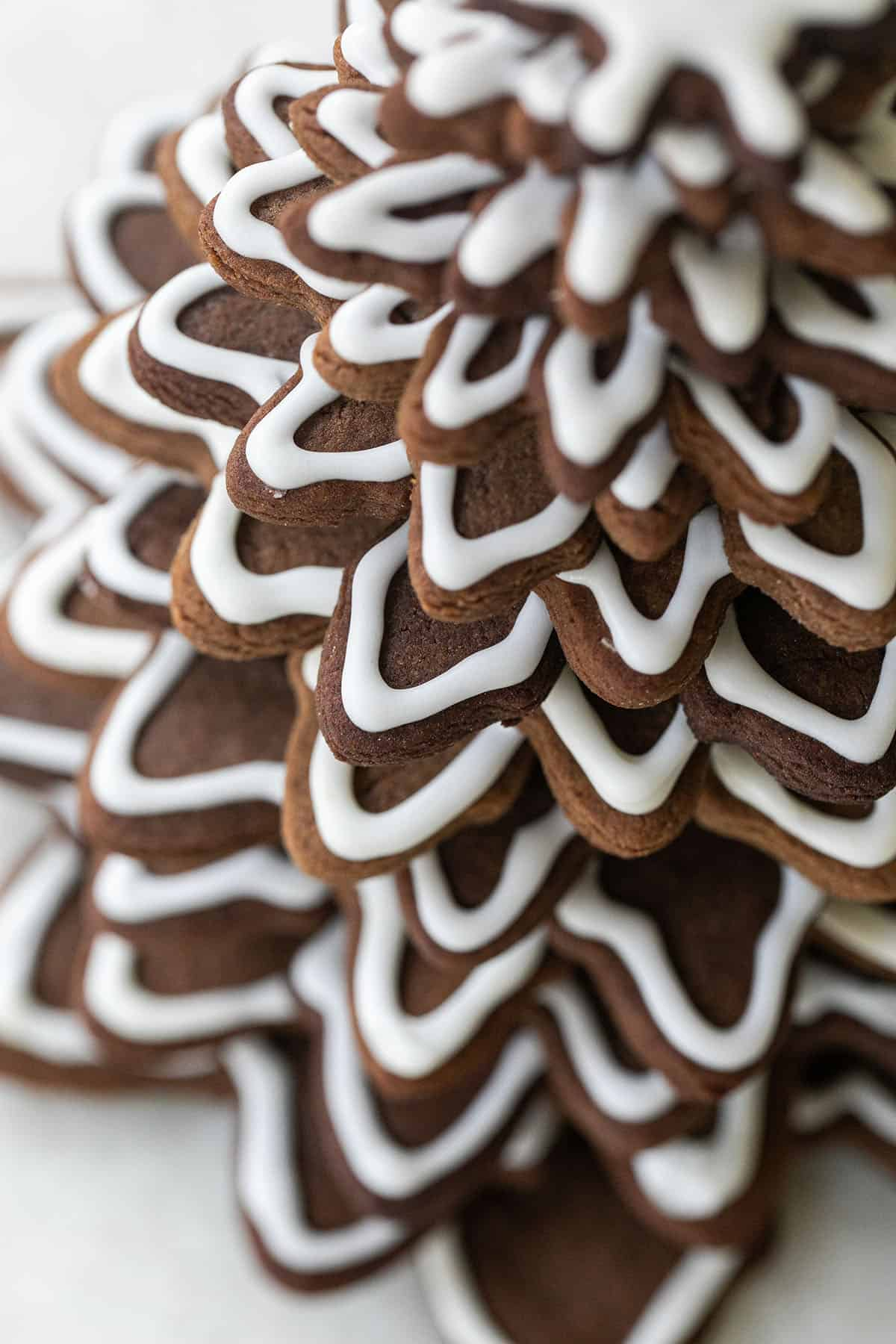 gingerbread tree with icing