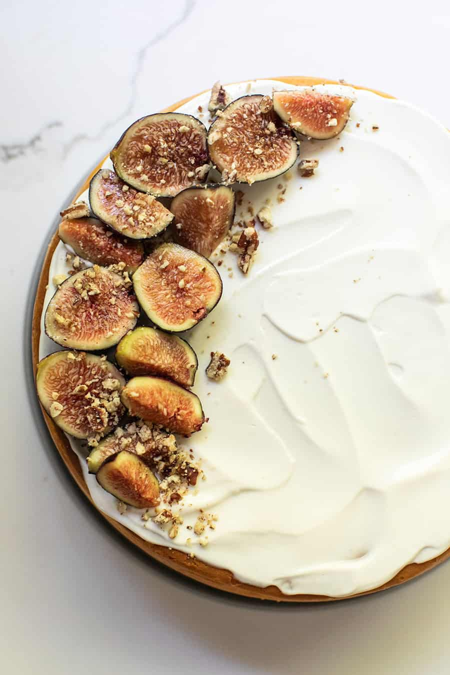Cheesecake recipe with sour cream topping and figs with walnut