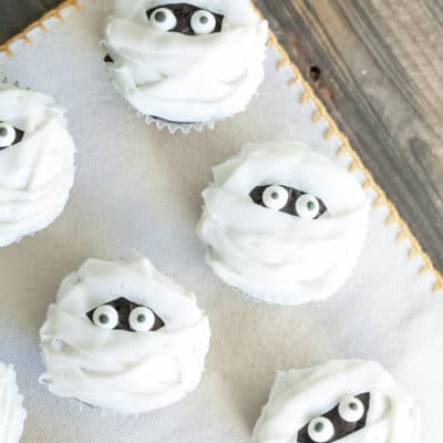 How to make mummy cupcakes