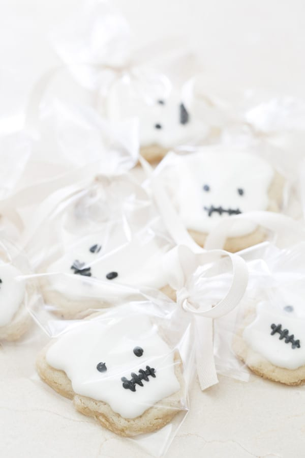 kids halloween party idea, skeleton cookies