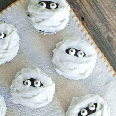 Chocolate and Vanilla Mummy Cupcakes