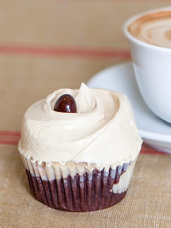 magnolia-cupcake