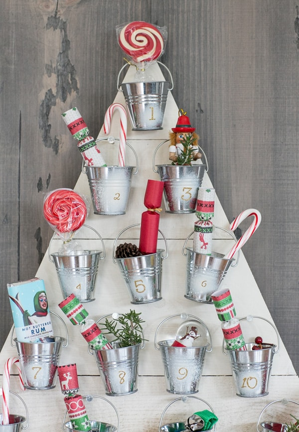 Diy wood advent calendar sugar and charm sweet recipes diy wooden advent calendar solutioingenieria Images