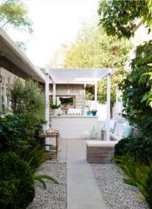 10 Beautiful Small Backyards