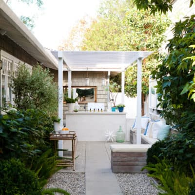 10 Beautiful Small Backyards