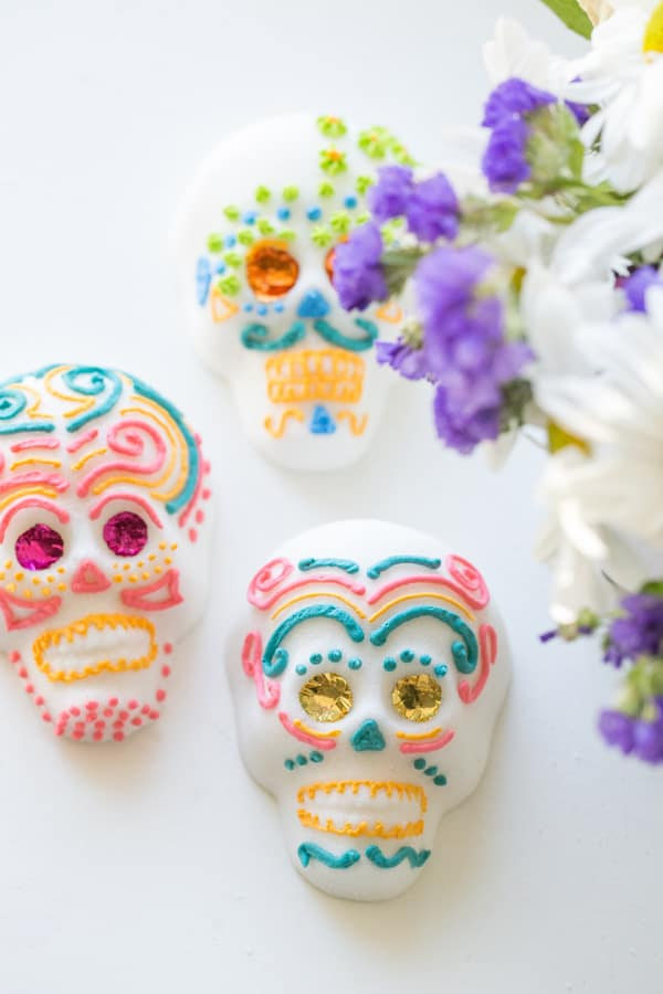 How To Make Mexican Sugar Skulls Sugar And Charm Sugar And Charm