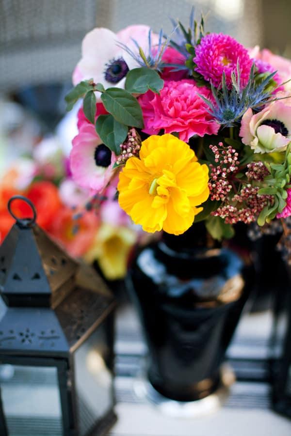 Color flowers for a Dia de los Muertos  party.