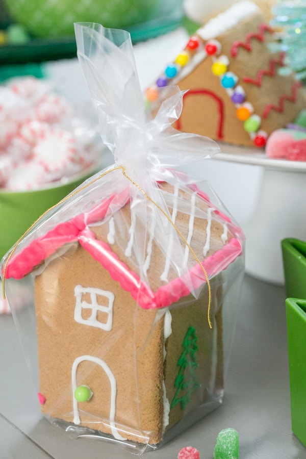 DIYGingerbreadHouse_13
