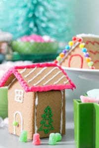 Tips for Creating a DIY Gingerbread House Station