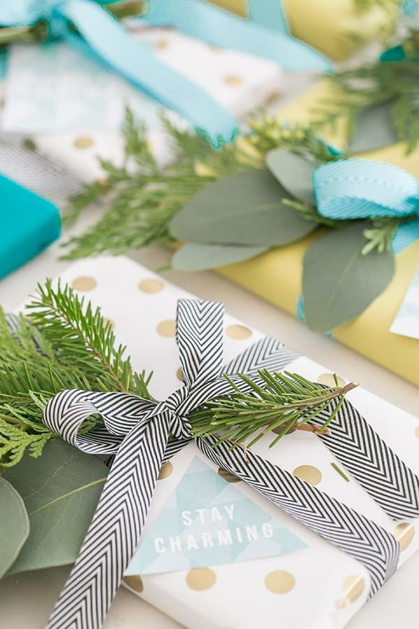 Free holiday gift tags to print