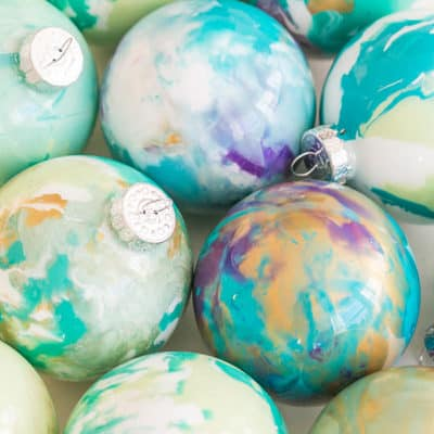 Homemade Christmas Ornaments – Marbled Baubles!