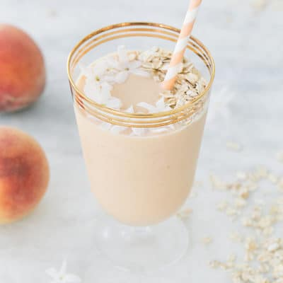 A Delicious Jasmine and Peach Breakfast Smoothie