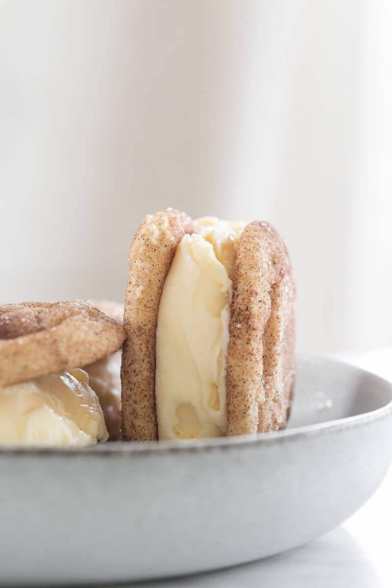 Snickerdoodle cookies with sweet cream ice cream.