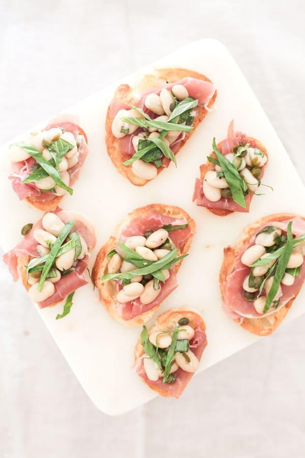 White-Bean-and-Prosciutto-Crostini-3sm