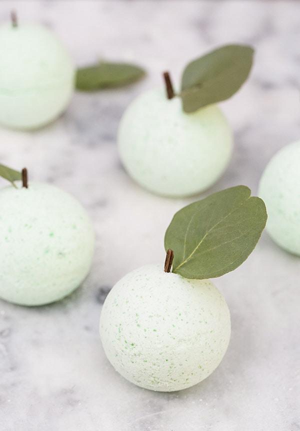 diy_green_apple_bath_bombs_sugar_and_charm_4-2
