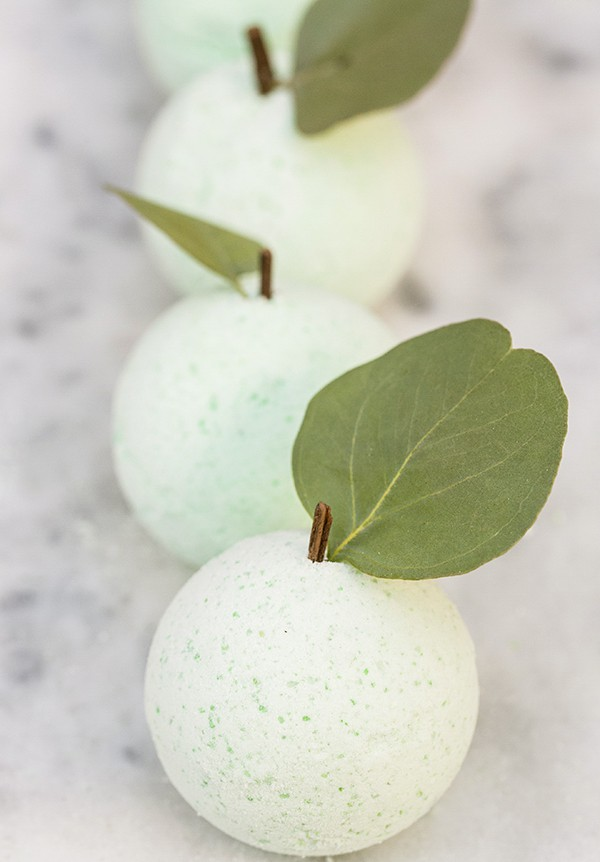 DIY green apple bath bombs