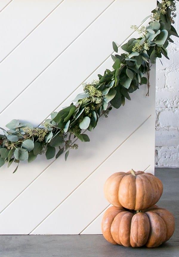 garland and fairytale pumpkins