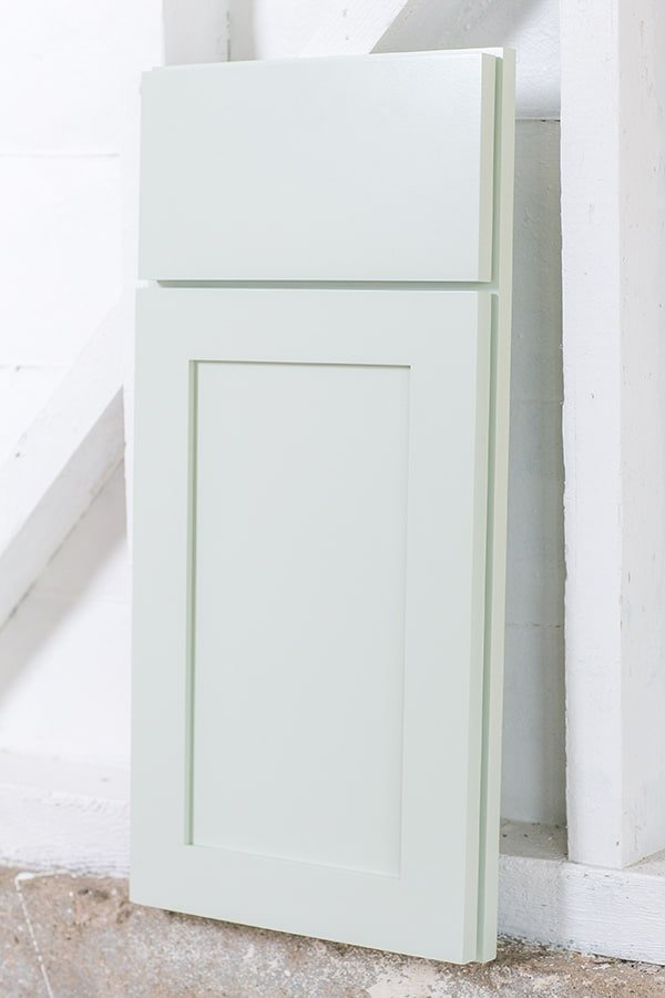 choosing_a_cabinet_color_masterbrand_2