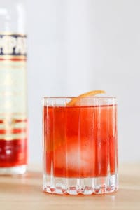 How To Make a Classic Negroni Cocktail