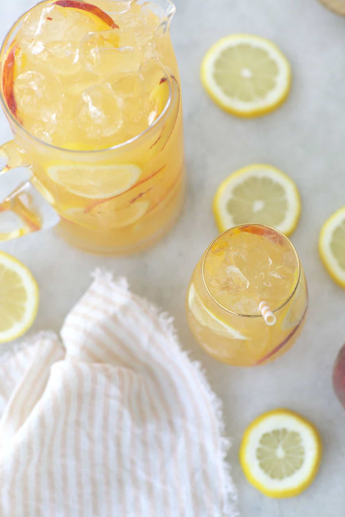 lemonade with peaches