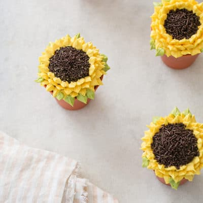 Pumpkin Spice Sunflower Cupcakes
