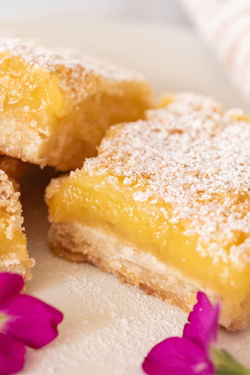 Lemon bar recipe with shortbread crust and powdered sugar,