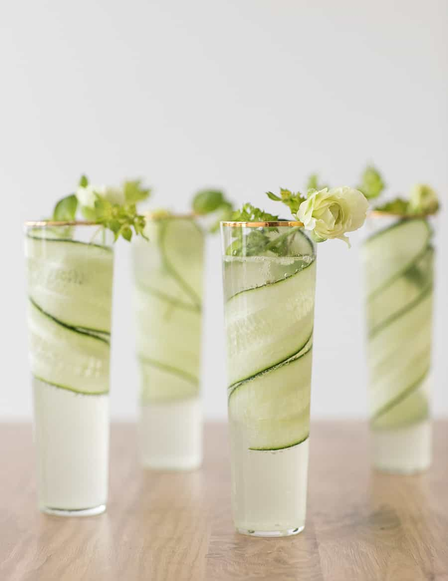 Cucumber gimlets with flowers.
