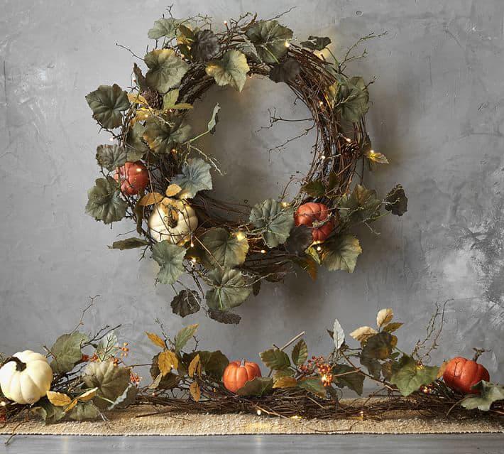 Fall Halloween wreath for Halloween decorations