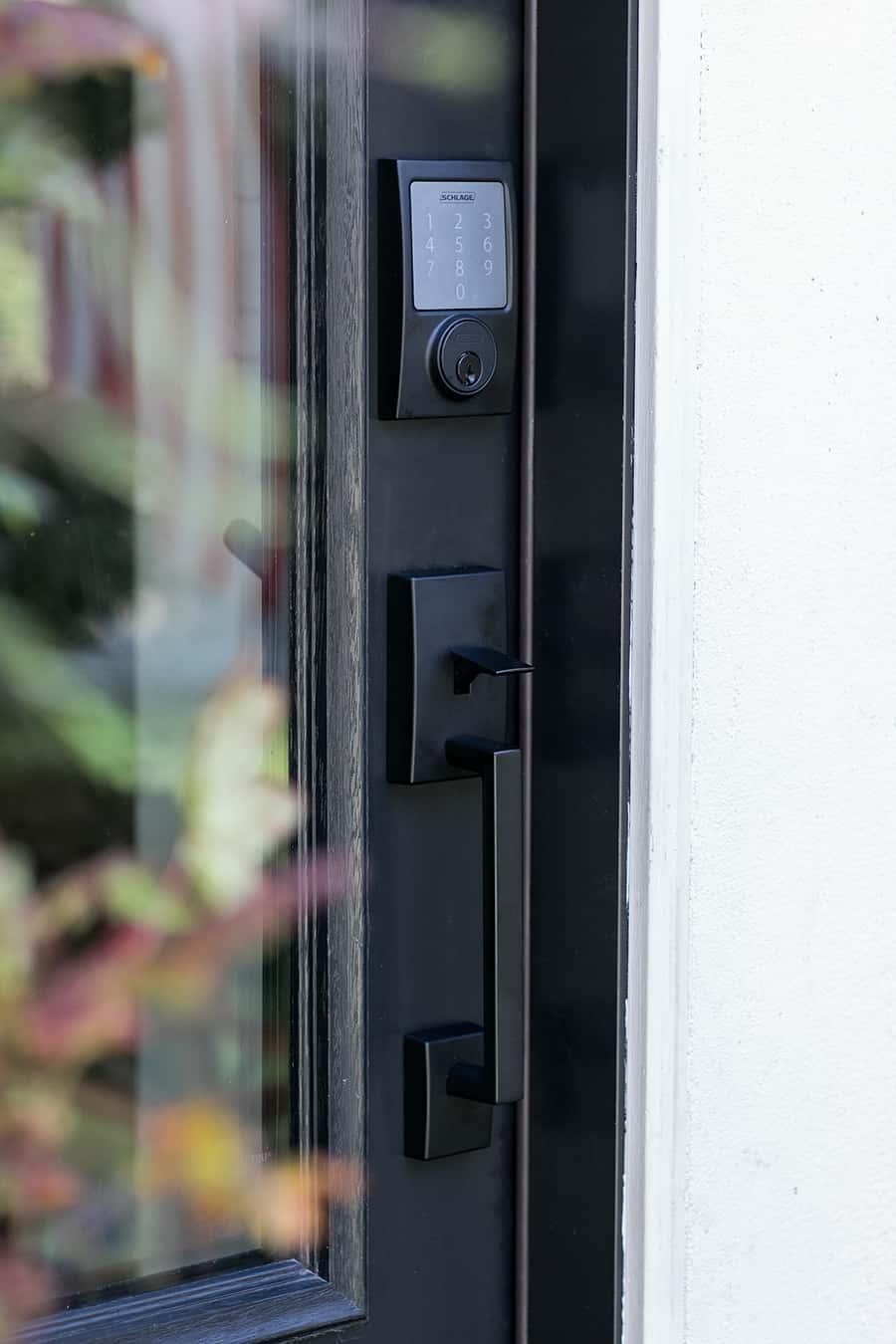 keyless entry door handle black.