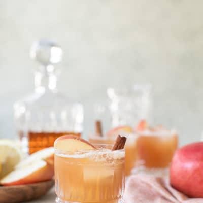 An Easy Apple Crisp Cocktail Recipe