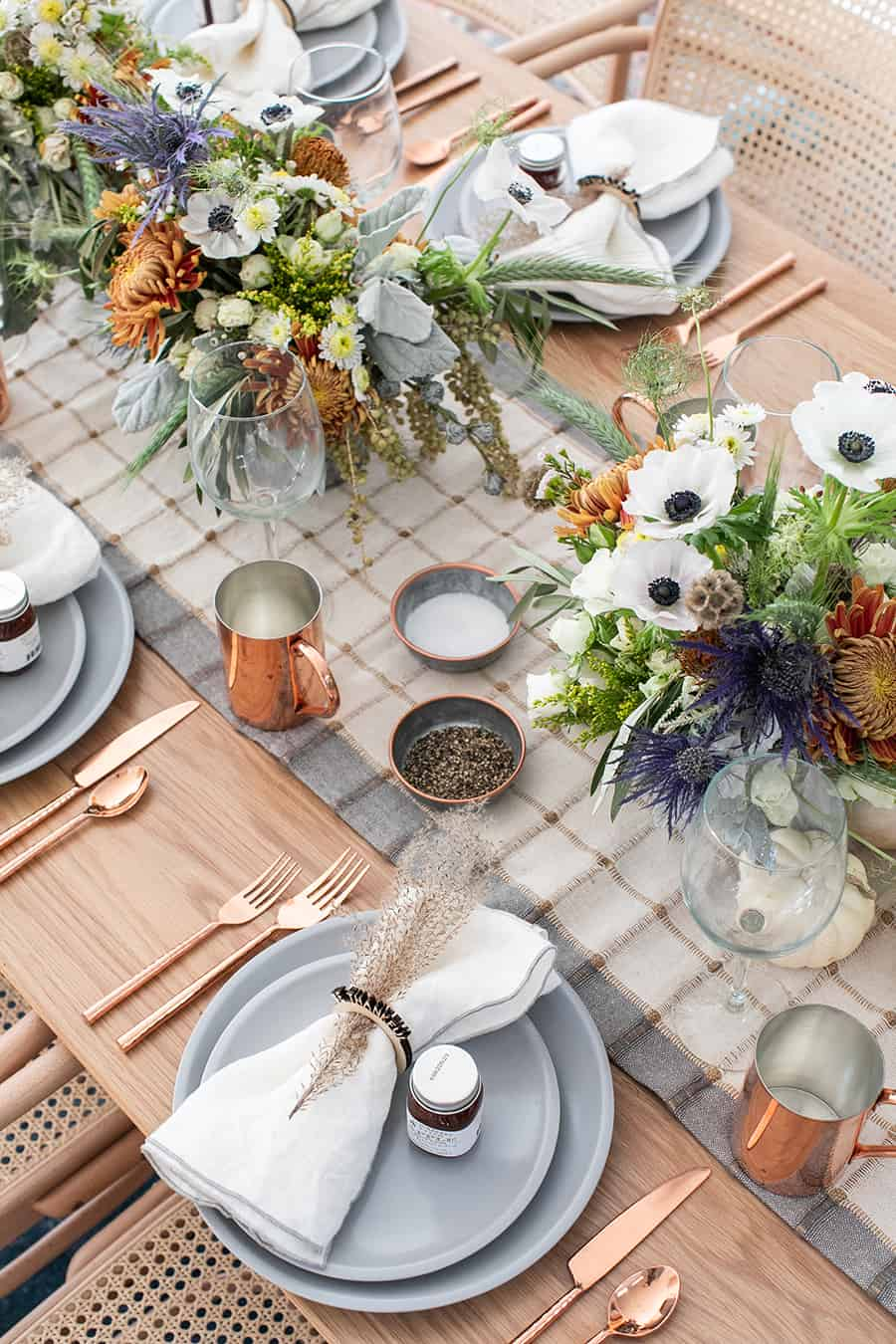 A Modern and Rustic Thanksgiving Table setting.