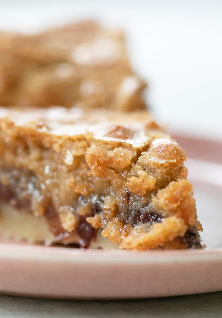 Gooey chocolate chip cookie pie recipe