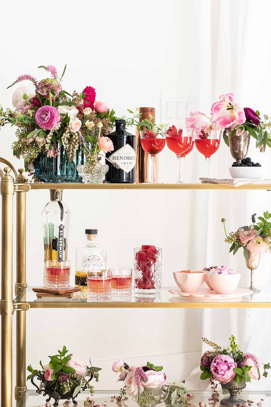 Gin and Flower Bar with flowers, cocktails and pretty pink details.