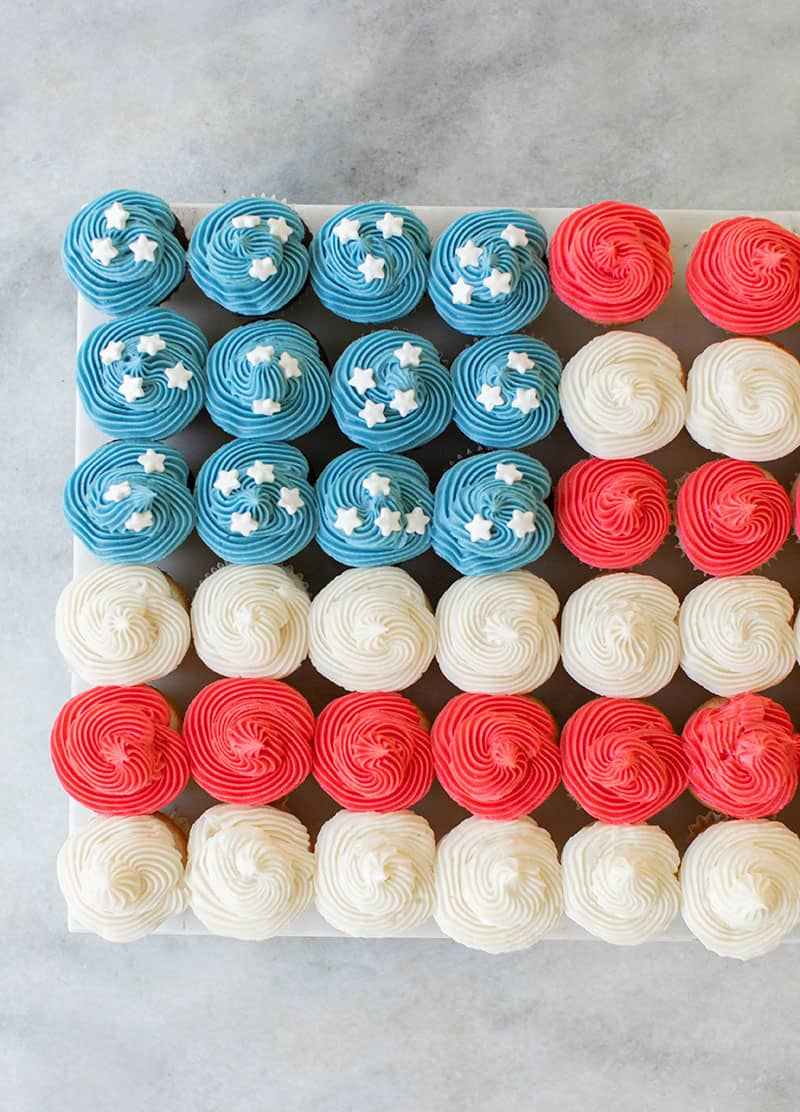 4th of July cake made from mini cupcakes.
