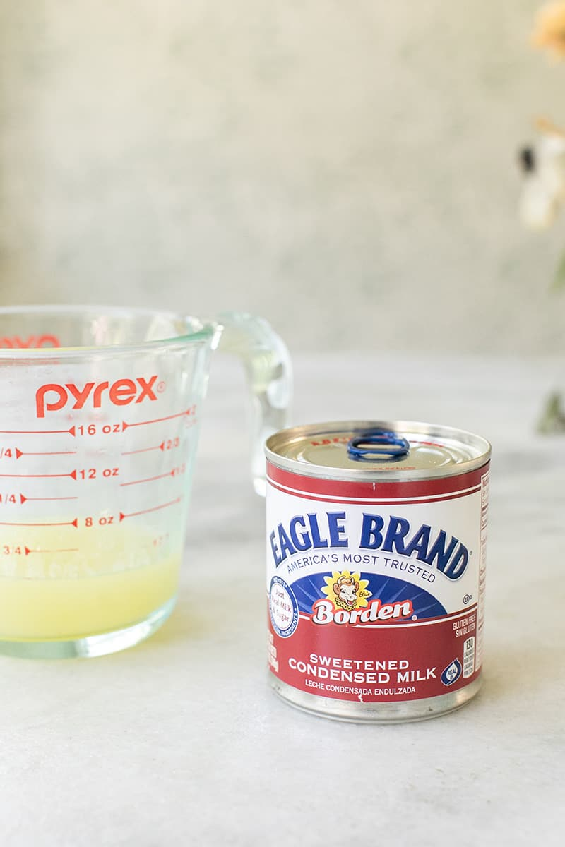 Eagle brans sweetened condensed milk and lemon juice in a pyrex.