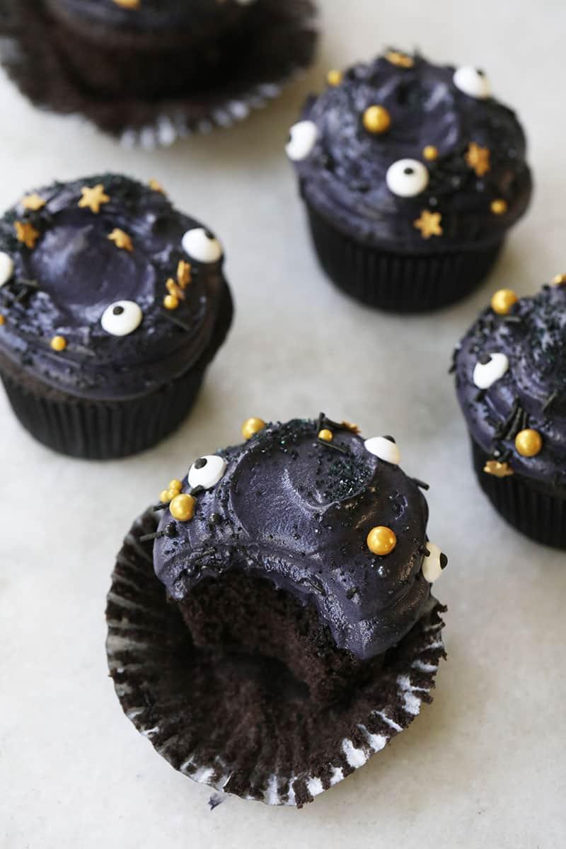 Recipe for black velvet cupcakes for Halloween