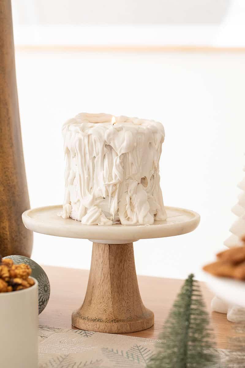 White candle cake.