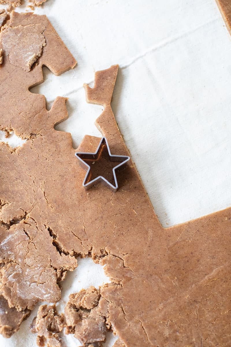 A star cookie cutter to make a gingerbread star.