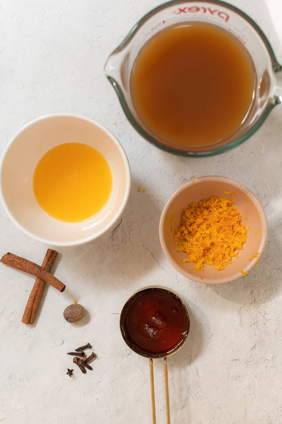 Ingredients to make mulled wine