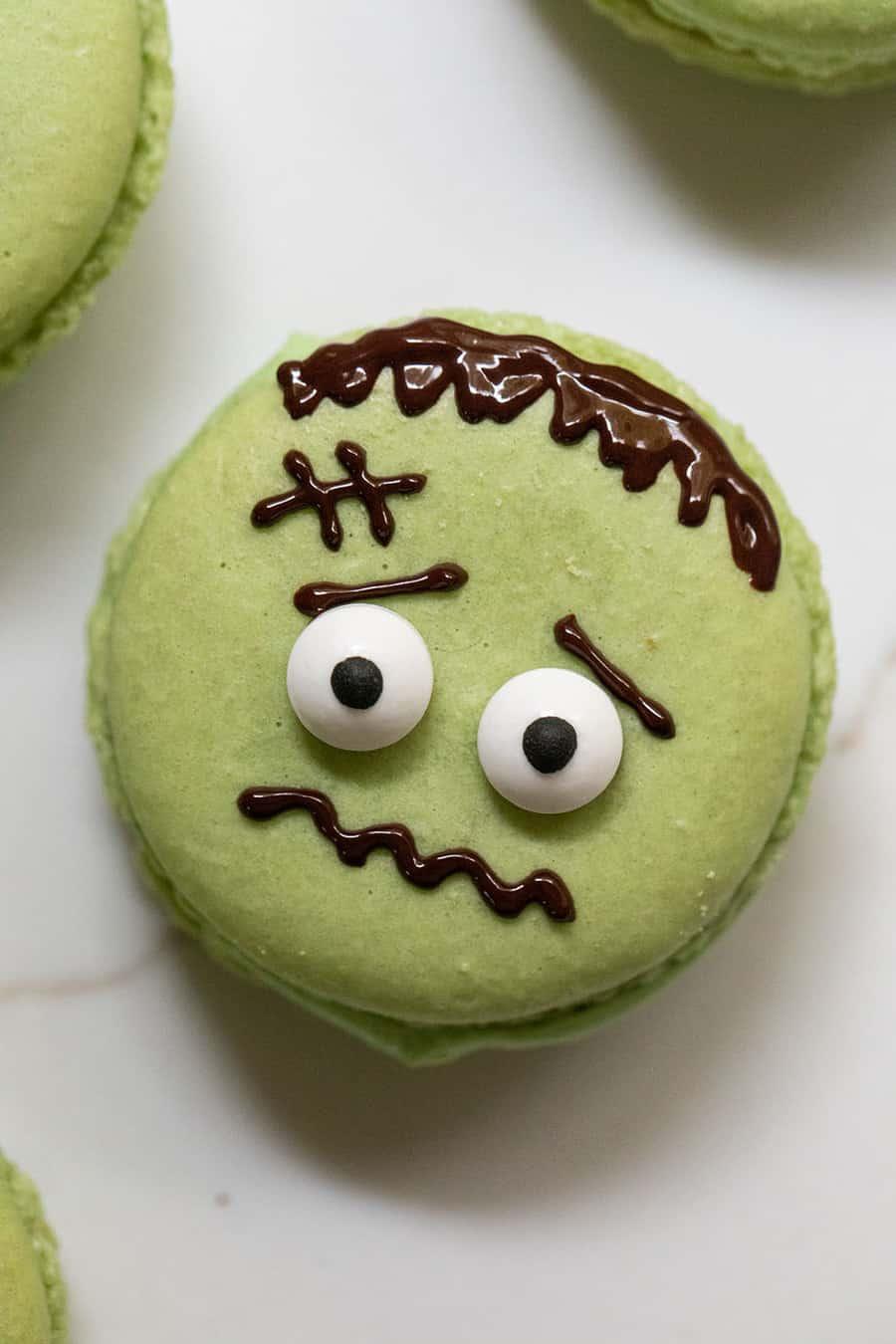 Frankenstein Macaron cookie