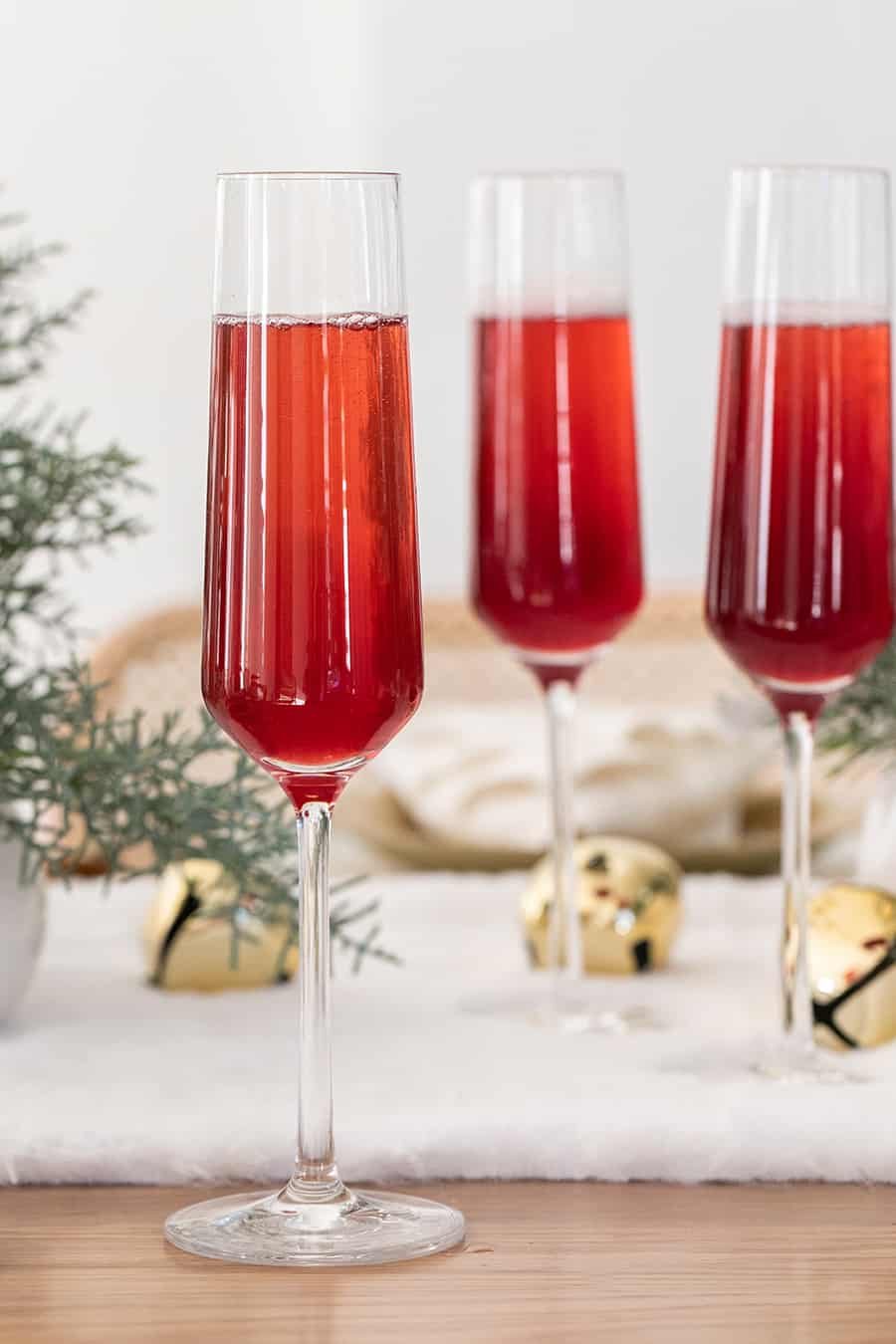 Christmas mimosa made with cranberry juice and Champagne