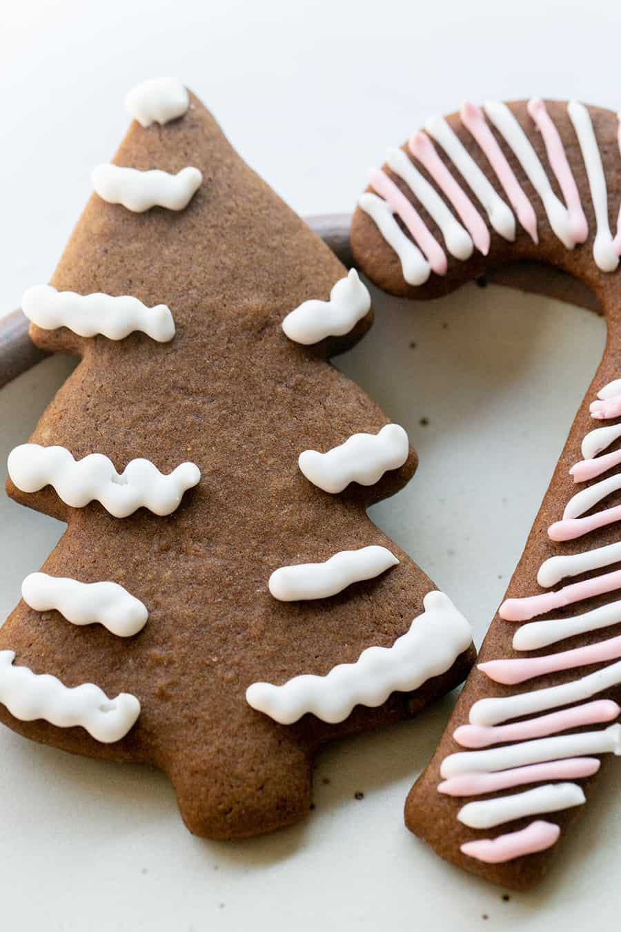Gingerbread cookie tree and candy cane
