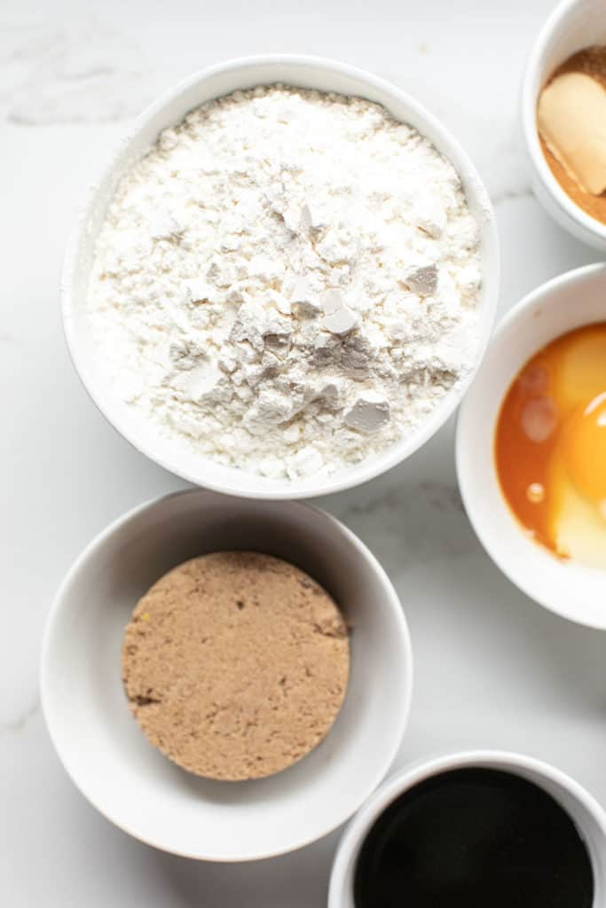 Flour, sugar, eggs and vanilla