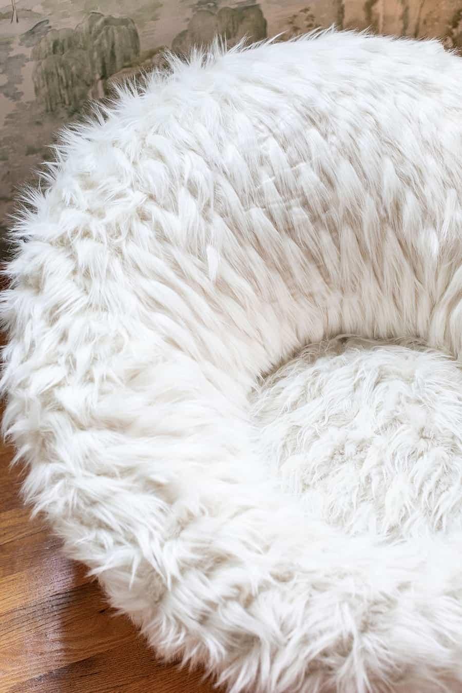 Fuzzy swivel chair