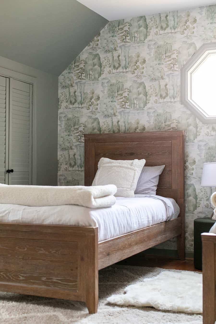 Kids woodsy  bedroom