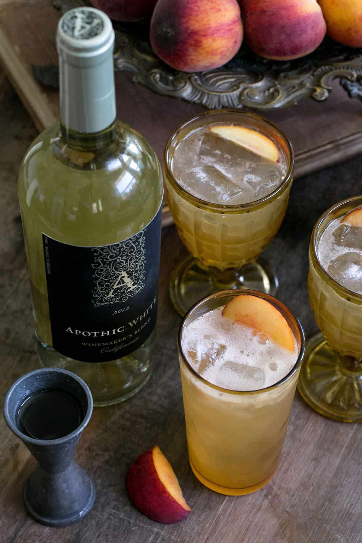 best fall cocktail with peach