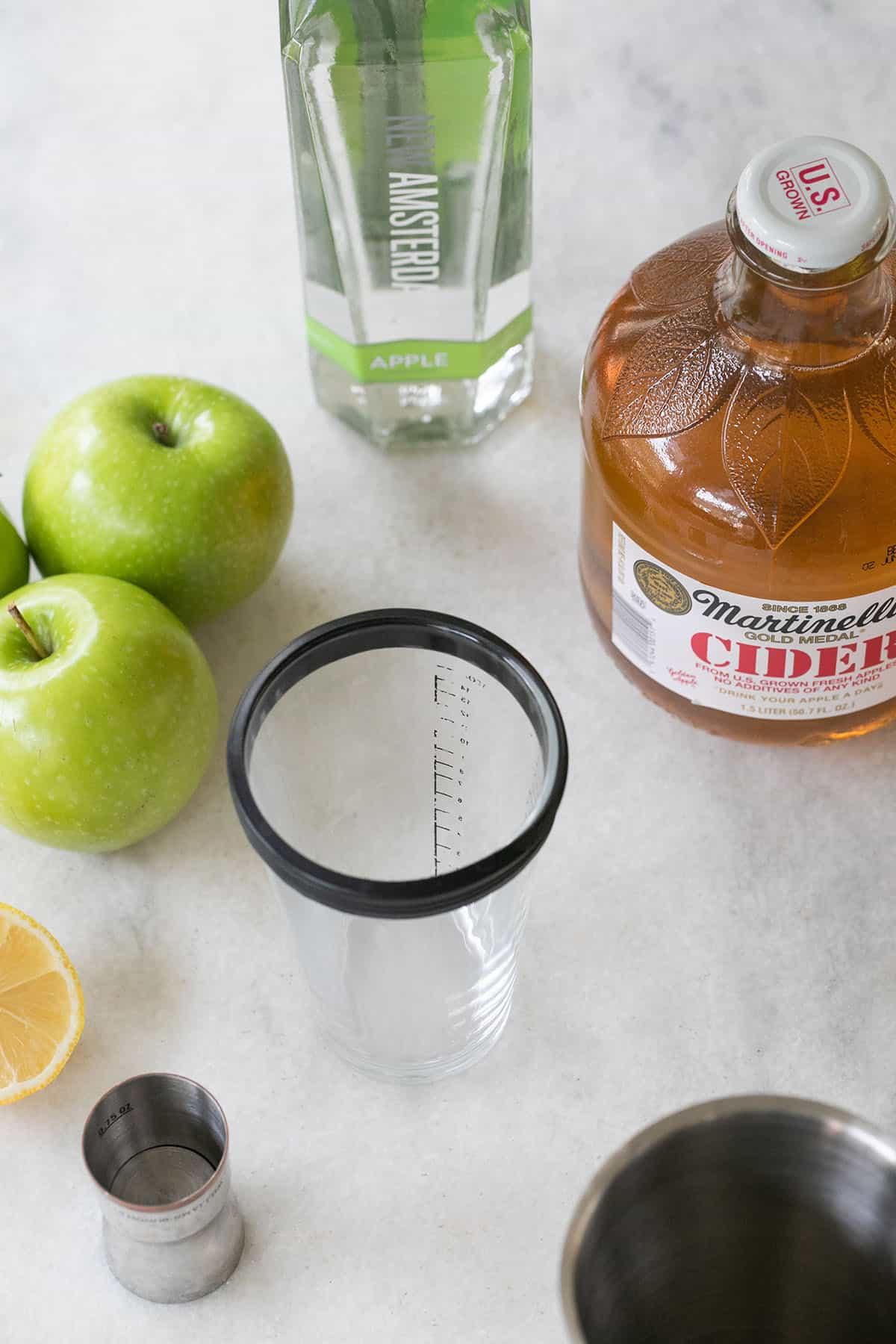 appletini ingredients